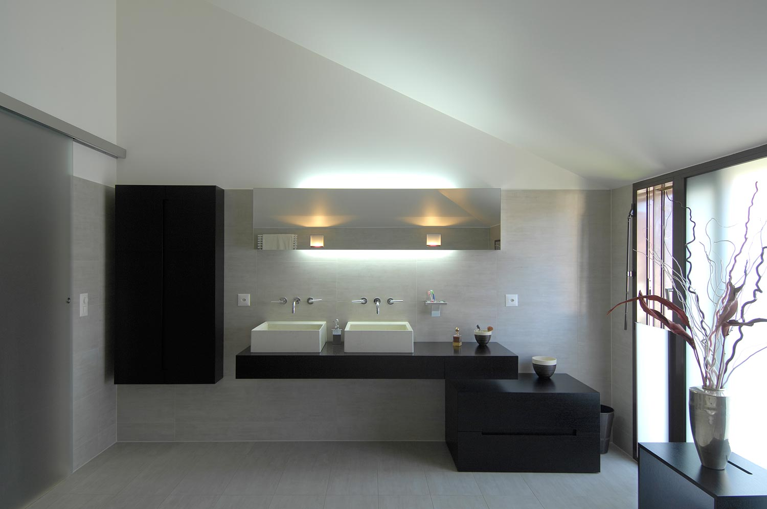 Villa ferrari bugna ch for Salle bain contemporaine