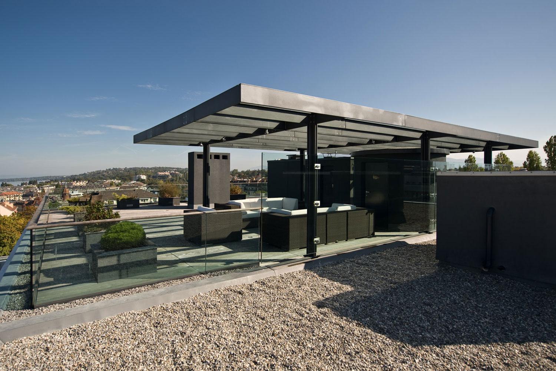 Appartement en attique bugna ch for Amenagement toit terrasse appartement